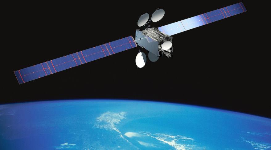 推進系の異常により、サービス中の通信衛星が機能喪失【週刊宇宙 ...